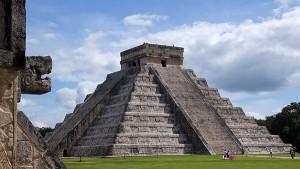 Imagen de apoyo de  Artículo Ref: 109 - Arte: ¿Qué serpiente recorre cada año la pirámide de Kukulkán?